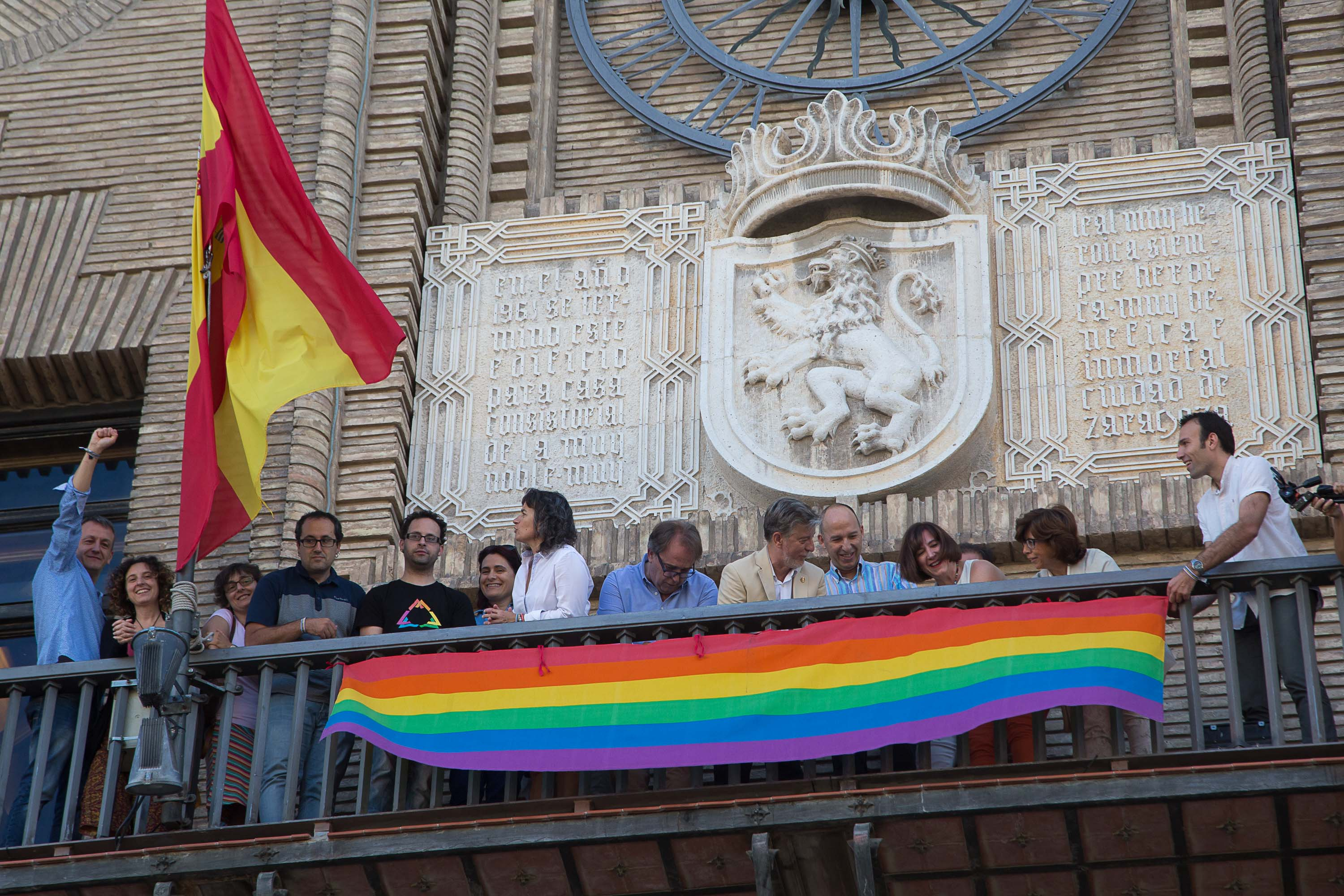 Red de Ciudades Ave | LGTB - AvExperience. Red gay flag