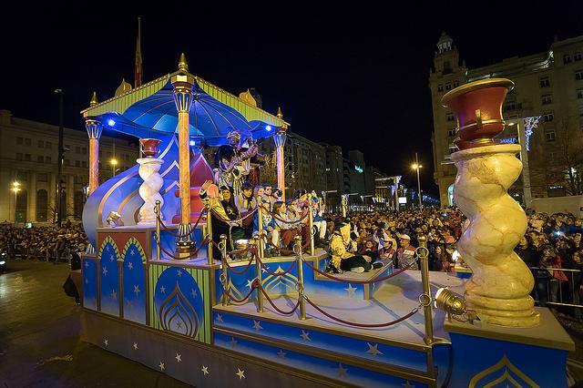 Carrozas De Reyes Magos Fotos.Ayuntamiento De Zaragoza Noticias Ninas Y Ninos De Zaragoza