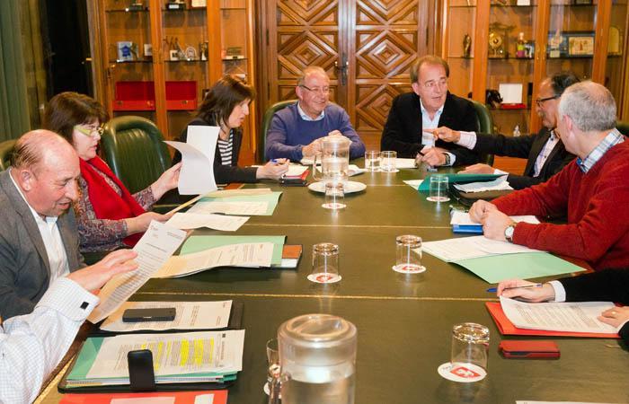 Ayuntamiento de zaragoza noticias for Piscina jose garces