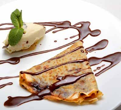 Crêpe De Chocolate Con Helado De Vainilla Y Cookies